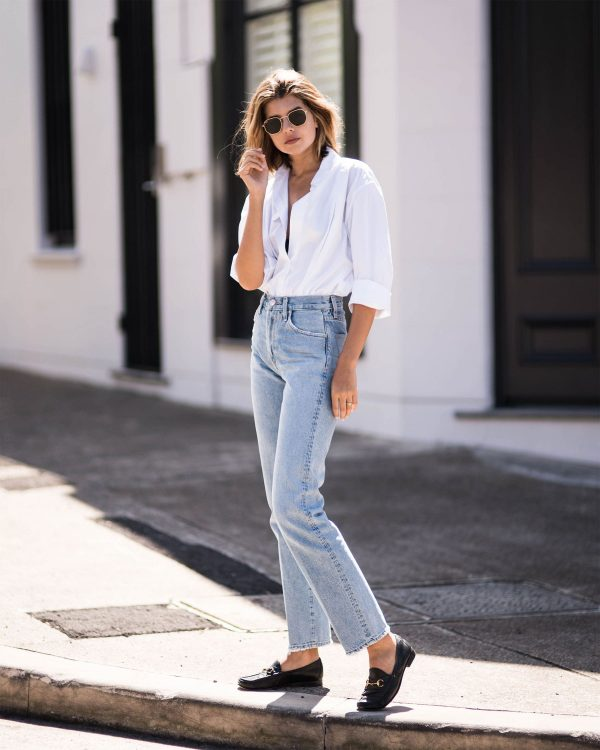 Casual mom jeans outfit